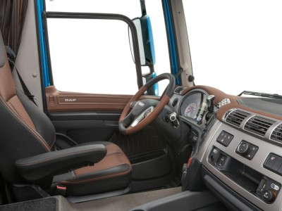 19-2017-New-DAF-CF-Exclusive-Line-Interior-1024x575