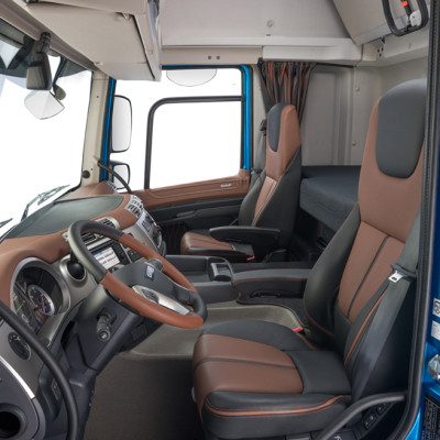 33-2017-New-DAF-CF-Exclusive-Line-Interior