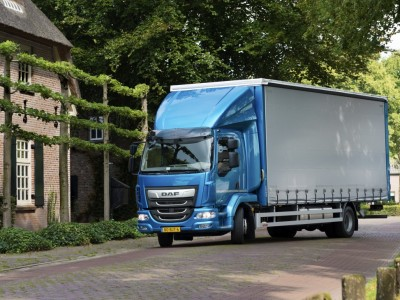 DAF-Introduces-New-LF-29-8-2017-03-1024x730